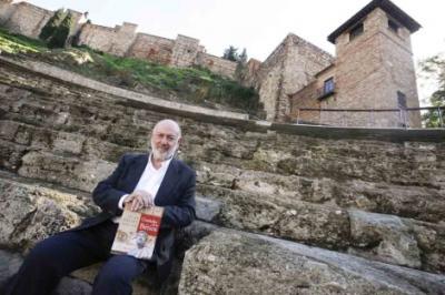Juan Eslava Galán reivindica las raíces romanas de Andalucía en detrimento de las musulmanas